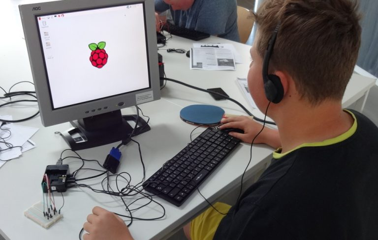 Ein DJ-Pad mit Python und dem Raspberry Pi herstellen – Ohrenspitzer Workshop in der Eule